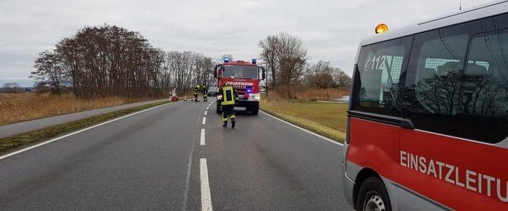 Einsatz 19/2018 (24.12.18): VU-mit Personenschaden – PKW im Graben